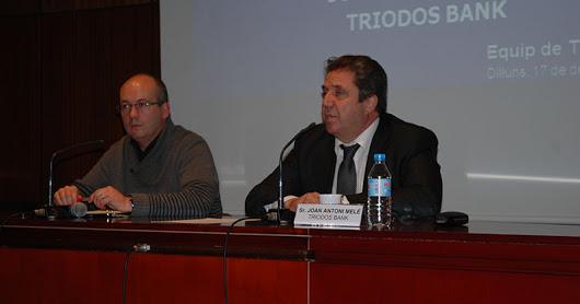 Curs12-13_Xerrada_banca_Etica